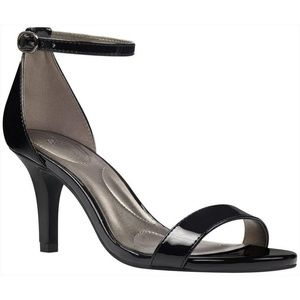 Bandolino Madia heels
